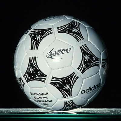Adidas Questra, официальный мяч матча Чемпионата мира по футболу 1994 года в США