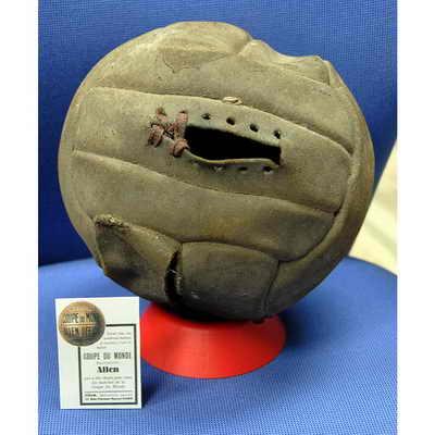 Allen, официальным мяч матча Чемпионата мира по футболу 1938 года во Франции