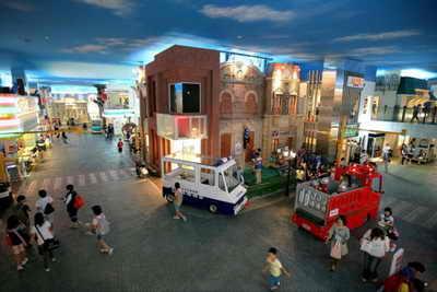 Общий вид площади детского города KidZania