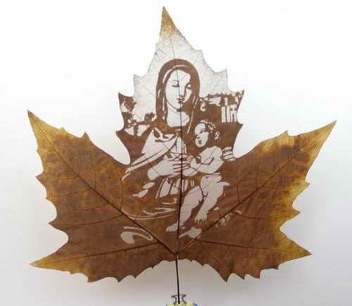 Работа по созданию такого изображения проходит в несколько этапов, листья тщательно отбирают и высушивают...