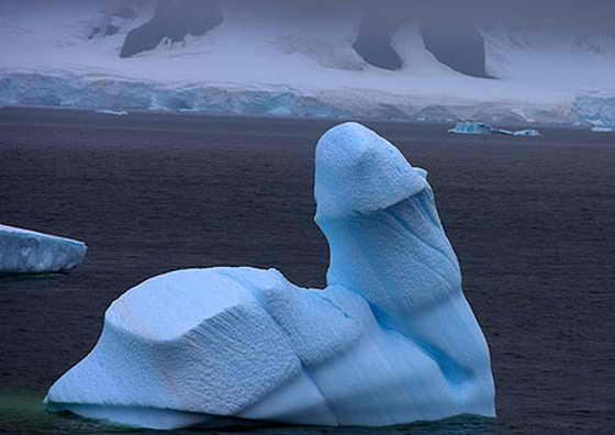 ледник причудливой формы в виде пениса