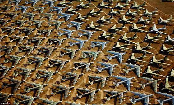 кладбища самолетов