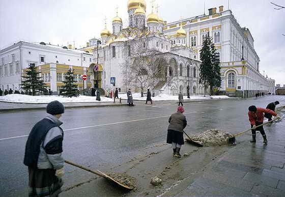 В москве в марте 2012 года сюжет