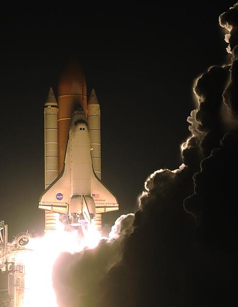 Старт Индевора к орбитальной станции