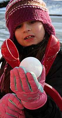 гаджет для изготовления снежков