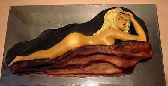 Оригинальный торт - голая женщина