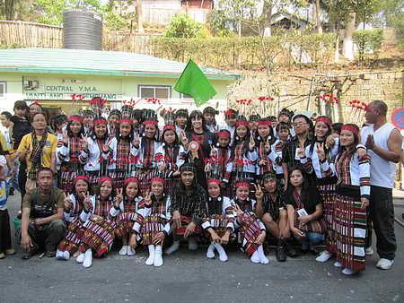 Участники праздника бамбука