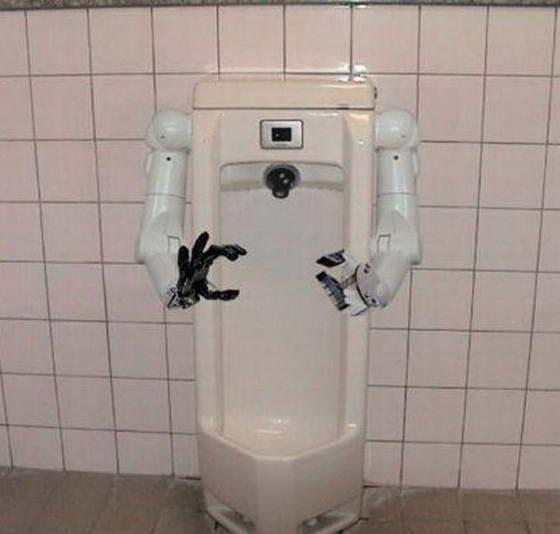 Девушки tают туалет фото