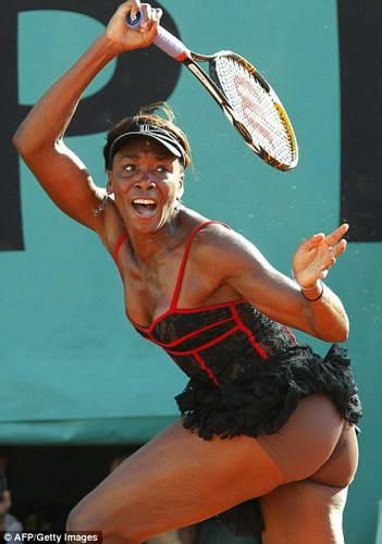 Порно актеры просвечивает у теннисисток фото марселин