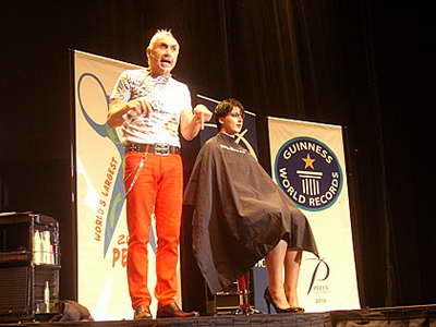 Самая большая парихмахерская в мире