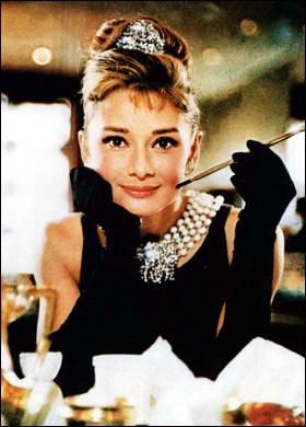 Обнародован список самых красивых женщин прошлого века. Лидером рейтинга названа Одри Хепберн