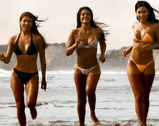 Сексуальные девочки на пляже
