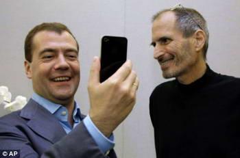 Медведев и iPhone 4