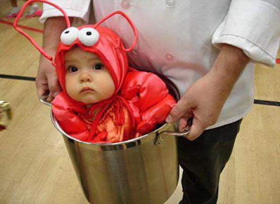 Ребенок в костюме