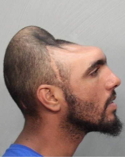 парень без головы
