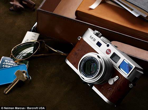 фотоаппарат M9 Leica Neiman Marcus