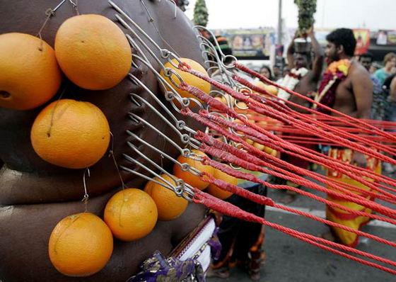Пирсинг с апельсинами