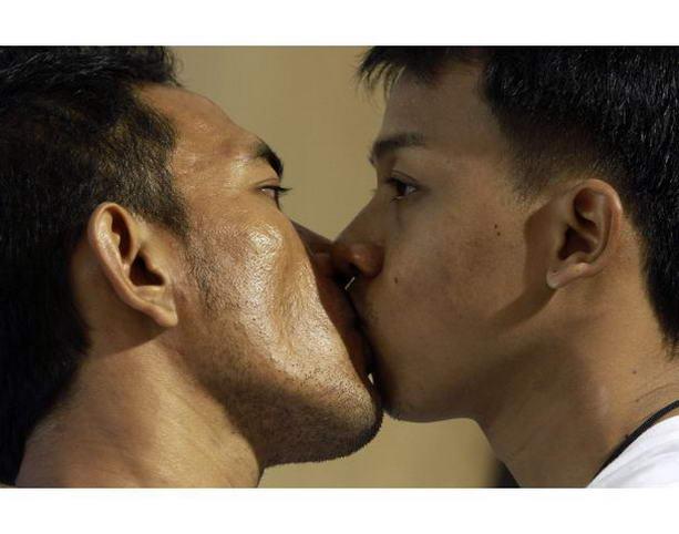 Секс длинный поцелуй
