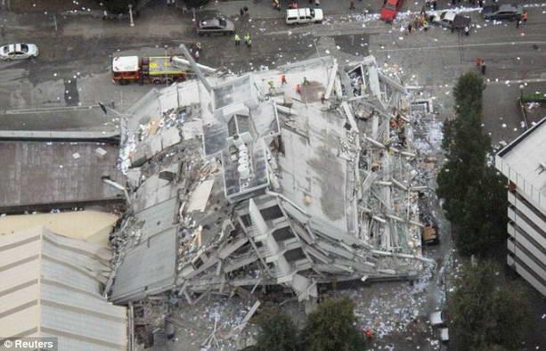 завалы после землетрясения