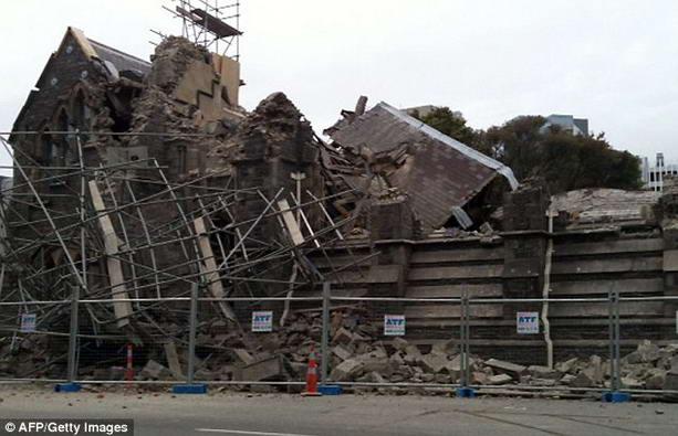 обвалы зданий после землетрясения