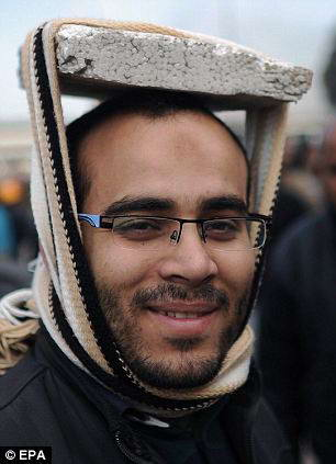 http://skuky.net/wp-content/uploads/2011/02/protesters-3.jpg