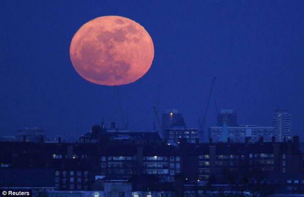«Кровавая луна» взойдет над Землей ночью 28 сентября