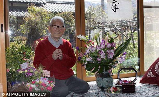 В Японии умер самый старый мужчина в мире Сакари Момои