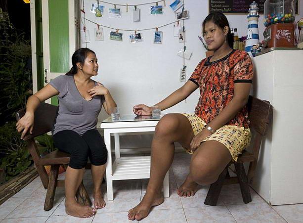 Самая высокая девушка в мире — Мали Дуангди из Таиланда