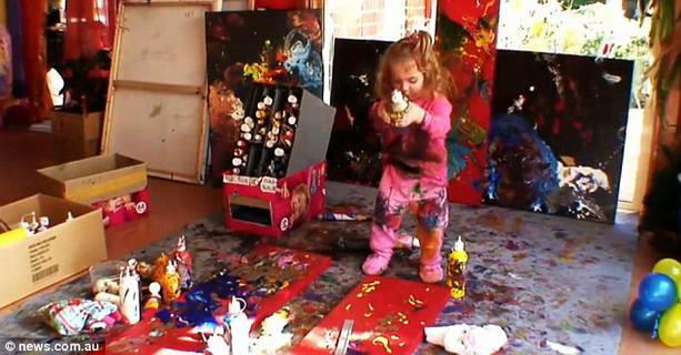 4-летняя художница из Австралии
