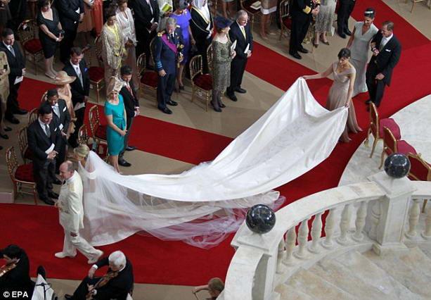 платье от Джоржио Армани