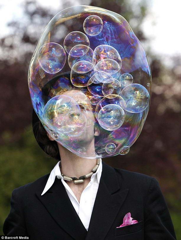 мыльные пузыри в одном мыльном пузыре