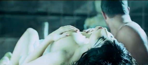 голая Леди Гага