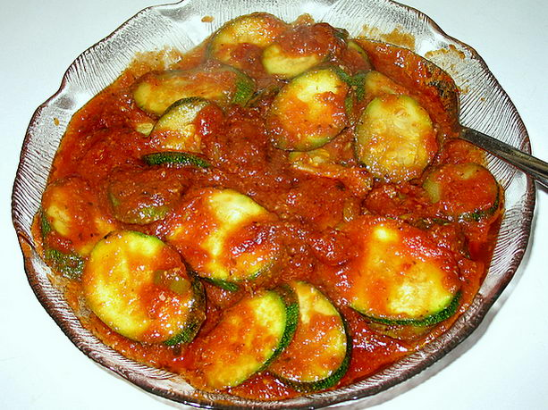 кабачки печеные в томатном соусе рецепт