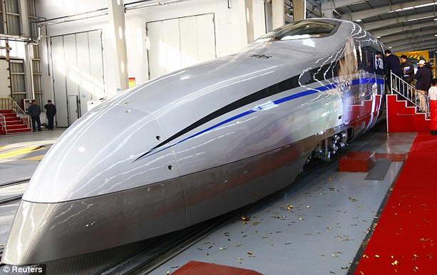 супер-скоростной поезд