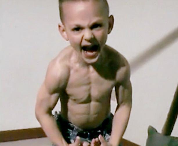 Джулиано Строе 7-летний атлет дважды отмеченный в Книге рекородов Гиннеса