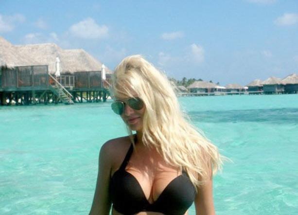 Виктория Лопырева на Мальдивах