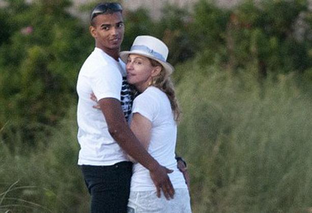 Мадонна Брахим Заибат