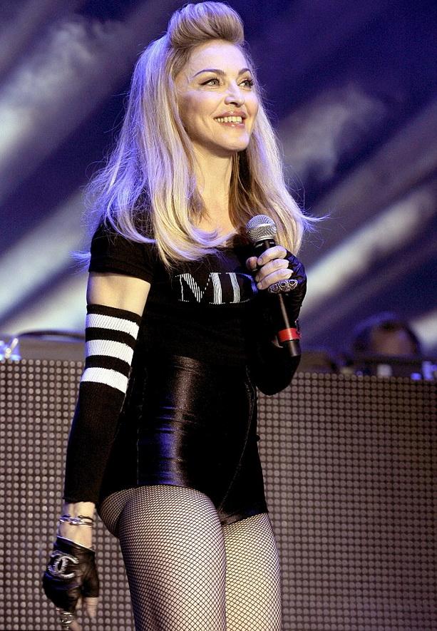 Мадонна попка фото
