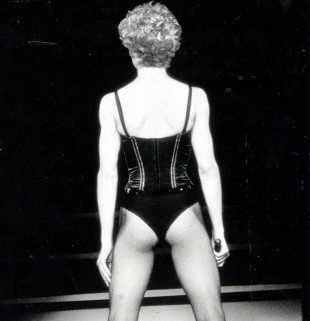 молодая Мадонна фото