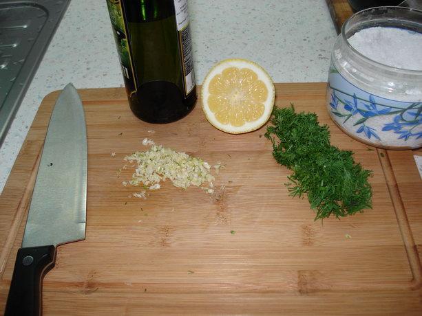 Чеснок, лимон, укроп, масло