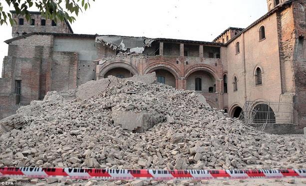 землетрясение в Италии фотографии