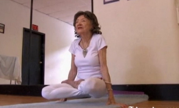Тао Порчон-Линч старейший инструктор йоги
