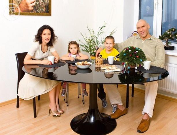 Николай Валуев жена семья