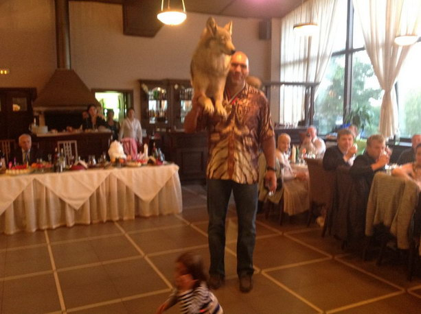 Николай Валуев и волк