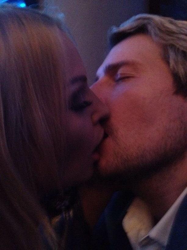 Николай Басков целует Анастасию Волочкову