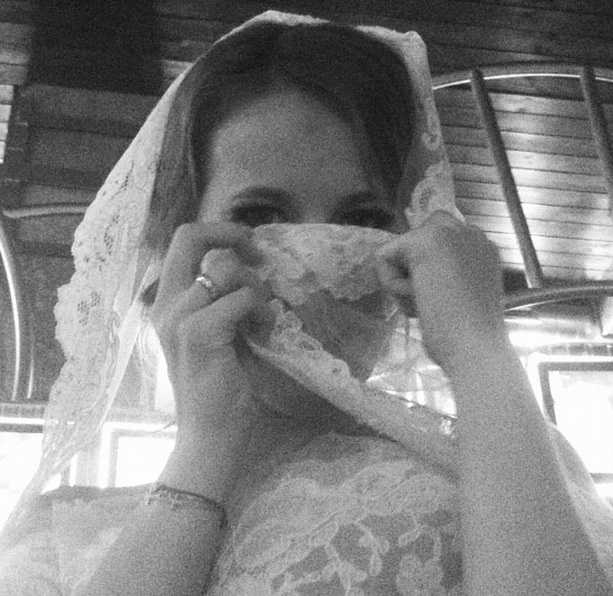Беременная Ксения Собчак снялась обнаженной для обложки Tatler, фото
