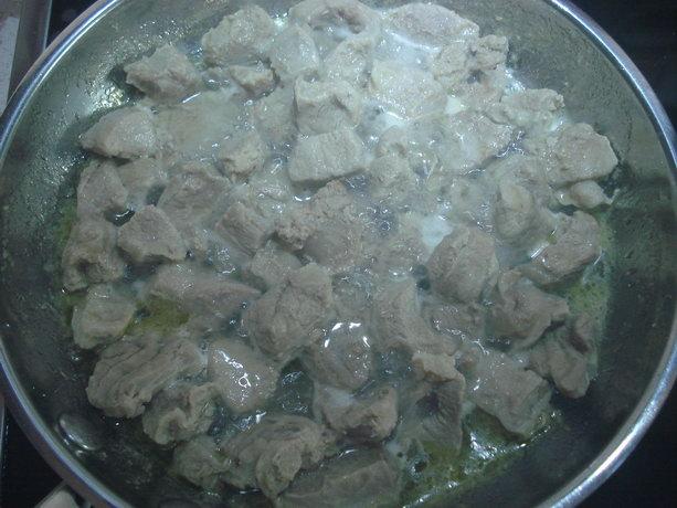 обжарка мяса для бигуса