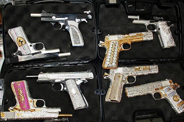 Позолоченное оружие наркобаронов