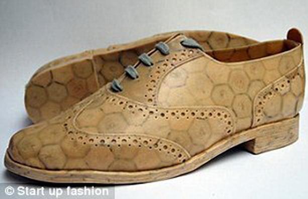 Ботинки из винных пробок