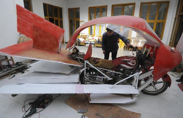 Чжан Хуилин сделал самолет